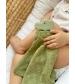 Tikiri Safari – hryzátko z prírodnej gumy a bio bavlny olive-green